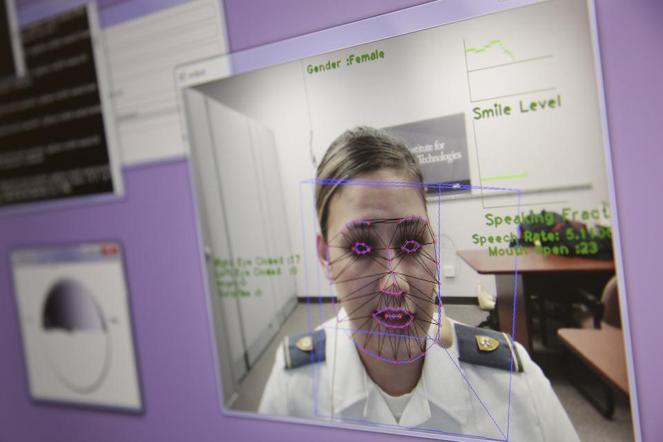 Künstliche Intelligenz, KI, Rekrutierung, Talent, Arbeit, Mangel, Biometrie, HireRight,