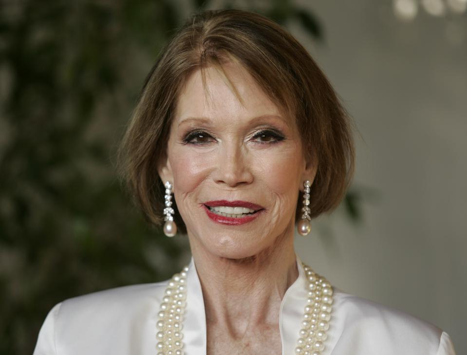 Mary Tyler Moore Was the Jackie Onassis of the Midwest