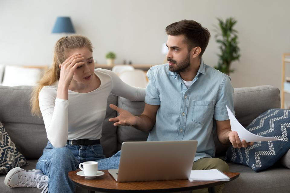 How To Discuss Finances With Spouse