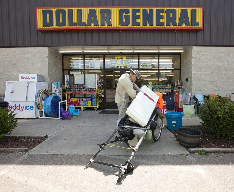 Dollar General is expanding even as many retailers are closing stores.