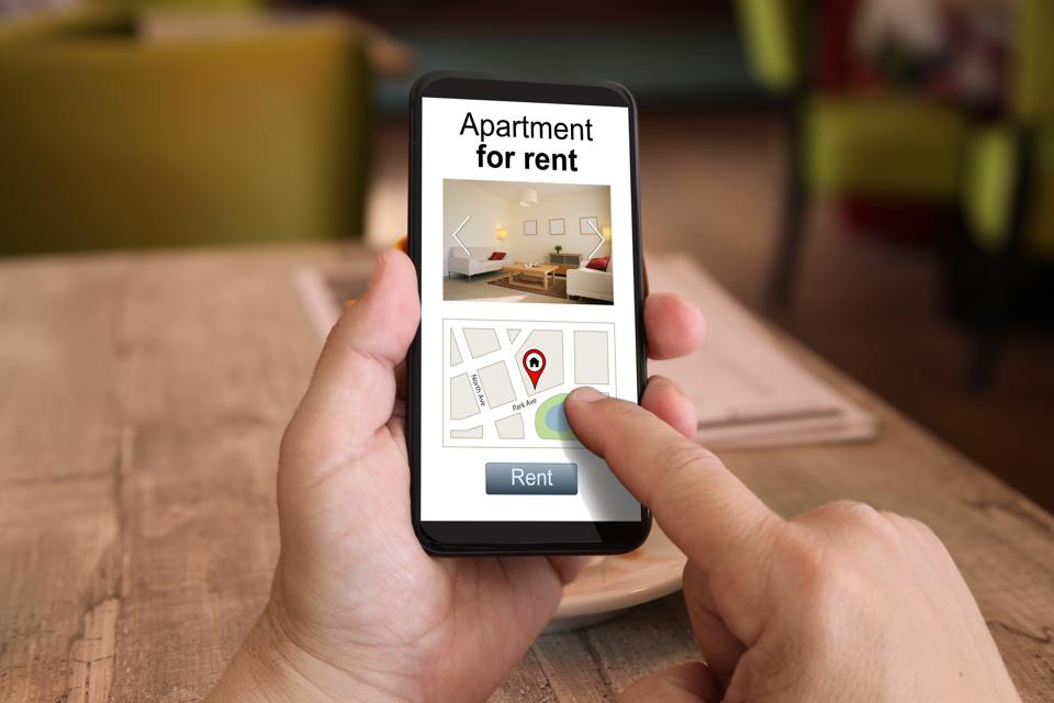 Mobile phone internet search apartment house holiday home rental