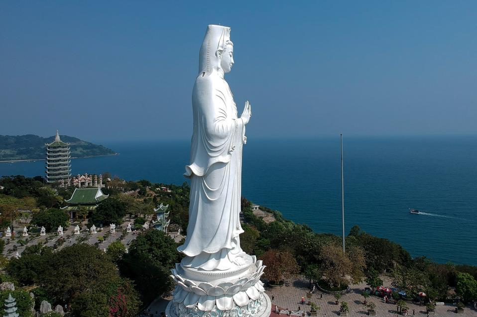 VIETNAM-RELIGION-TOURISM-BUDDHISM