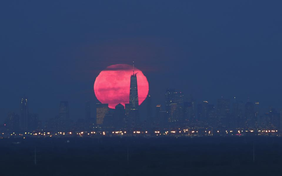 Brightest Super Moon Of The Year Lights Up New York City