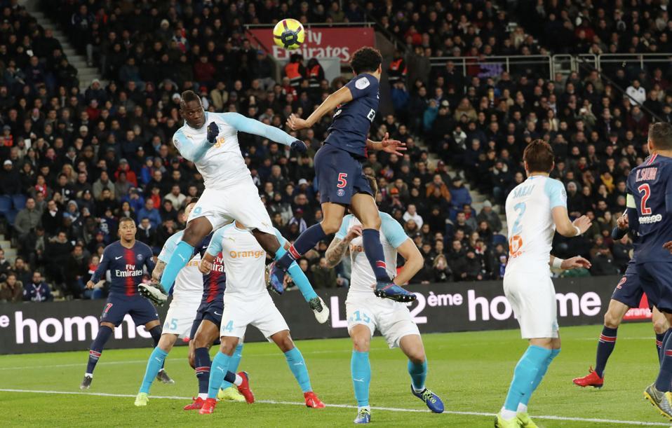 PSG y Lyon podrían mantenerse en la Champions League, pese a decreto gubernamental en Francia