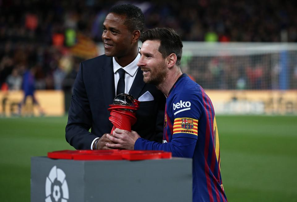 Barcelona stars want Patrick Kluivert to replace Quique Setien as boss.