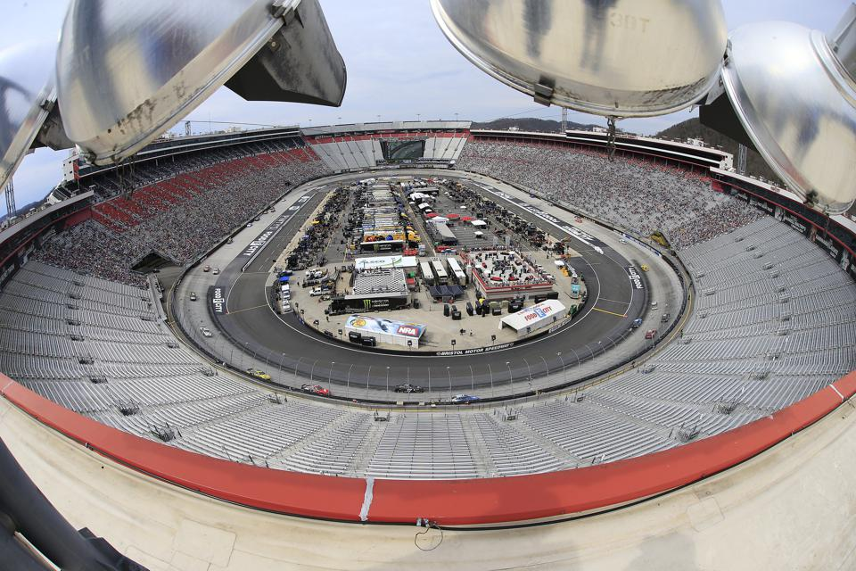 AUTO: APR 07 Monster Energy NASCAR Cup - Food City 500 Series