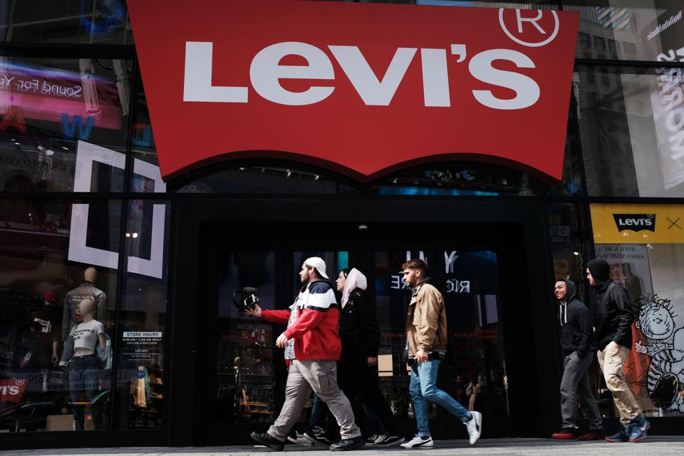 637b64595bf Levi Strauss Heirs Sell  300 Million In Shares At IPO