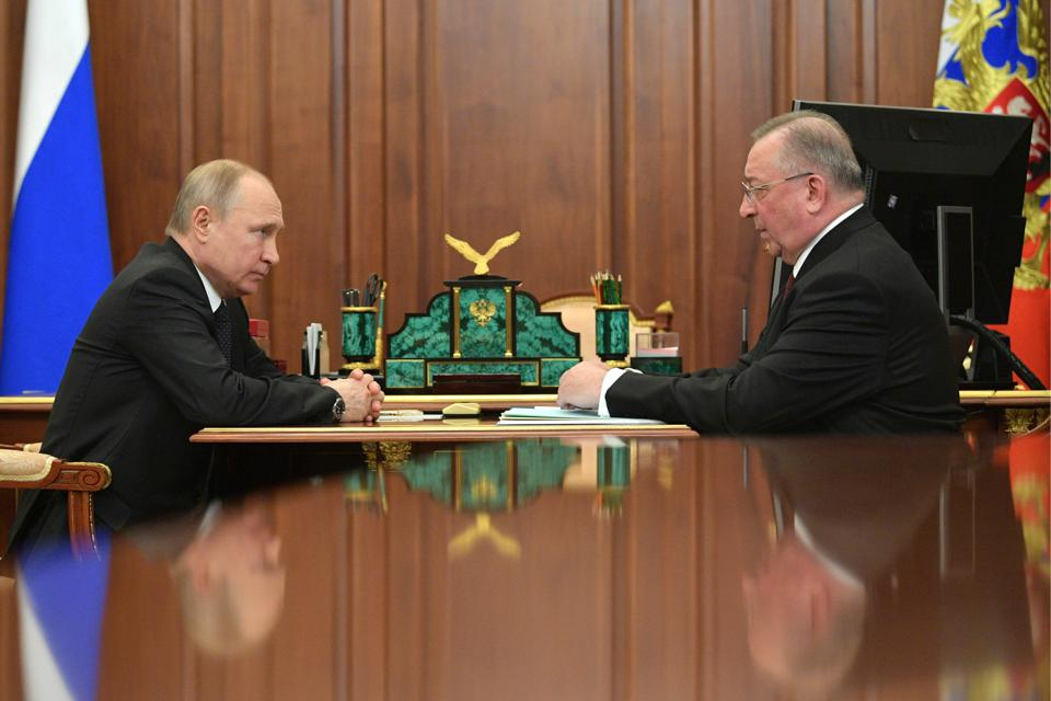 Russia President Putin meets with Transneft President Tokarev