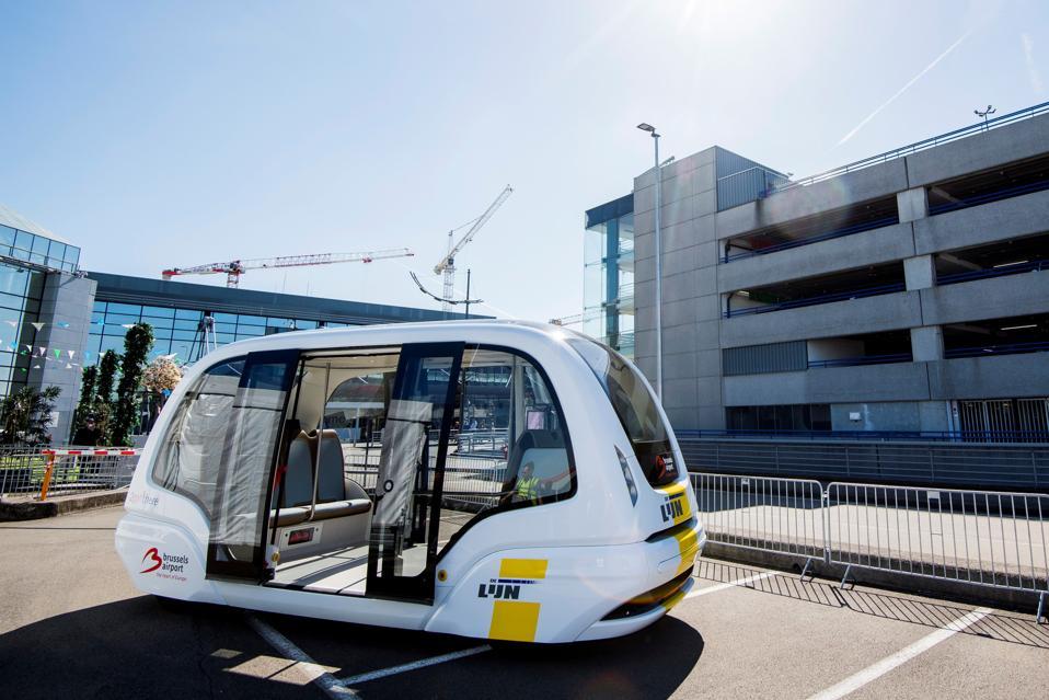 BELGIUM-TRANSPORT-PASSENGERS-AIRPORT-ELECTRIC-BUS