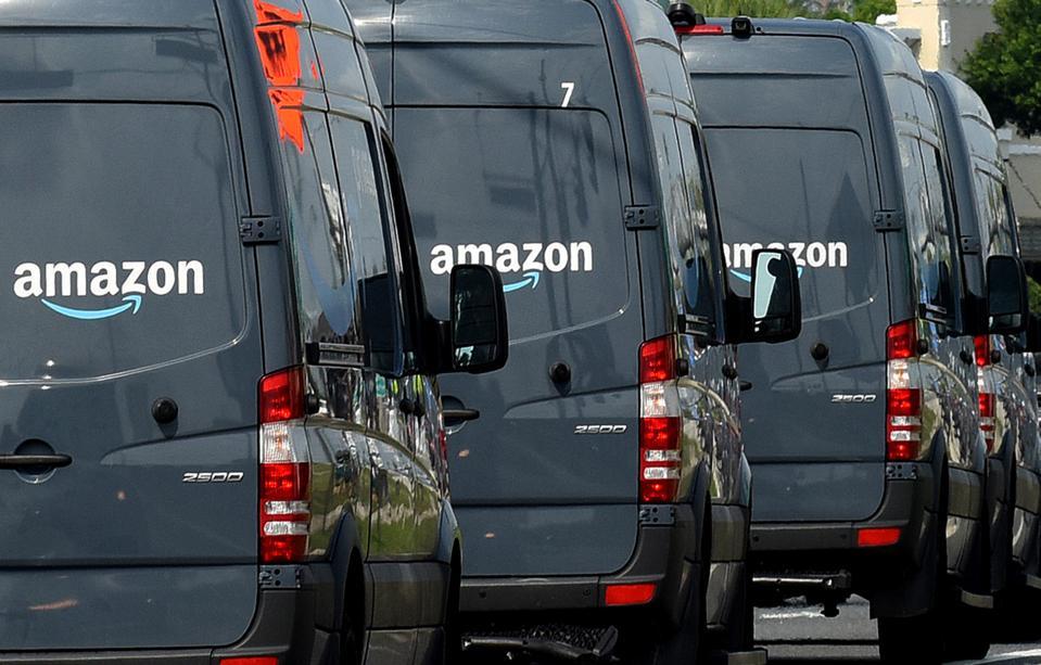 Amazon Delivery Vans in Orlando