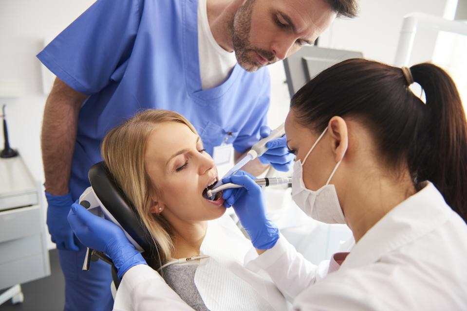 Here's How Much Money Dental Assistants Make In Every State