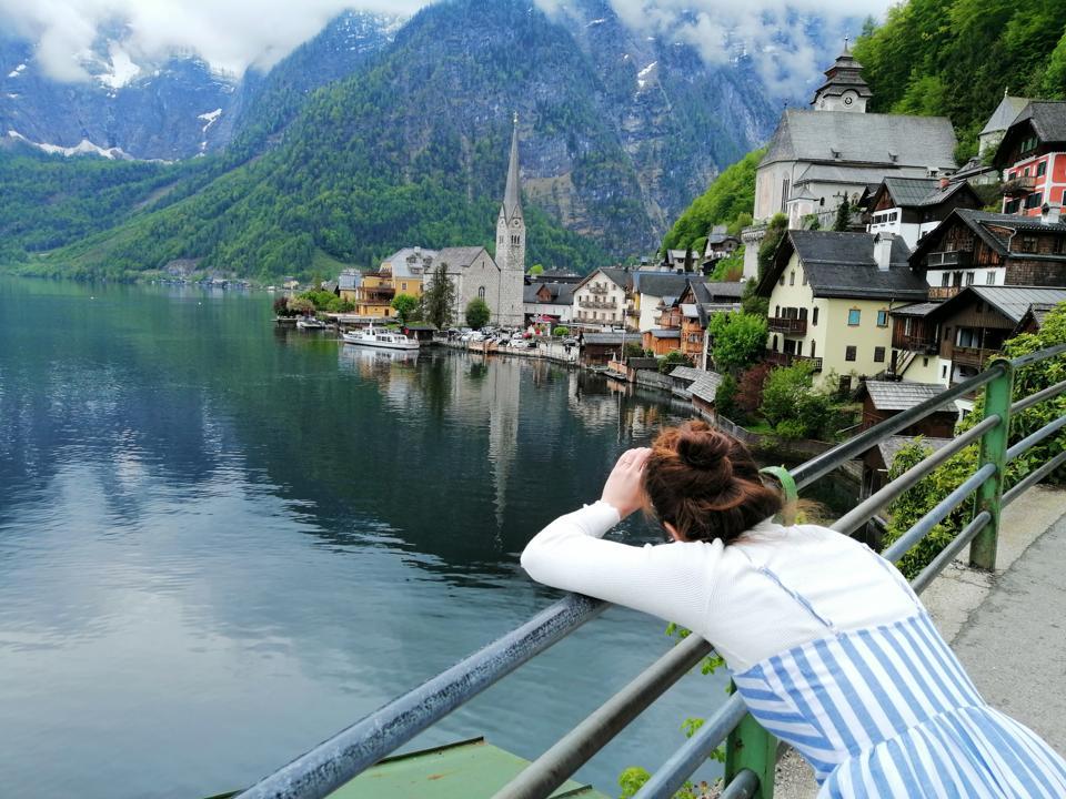 beautiful panoramic of the village of Hallstatt in Austria