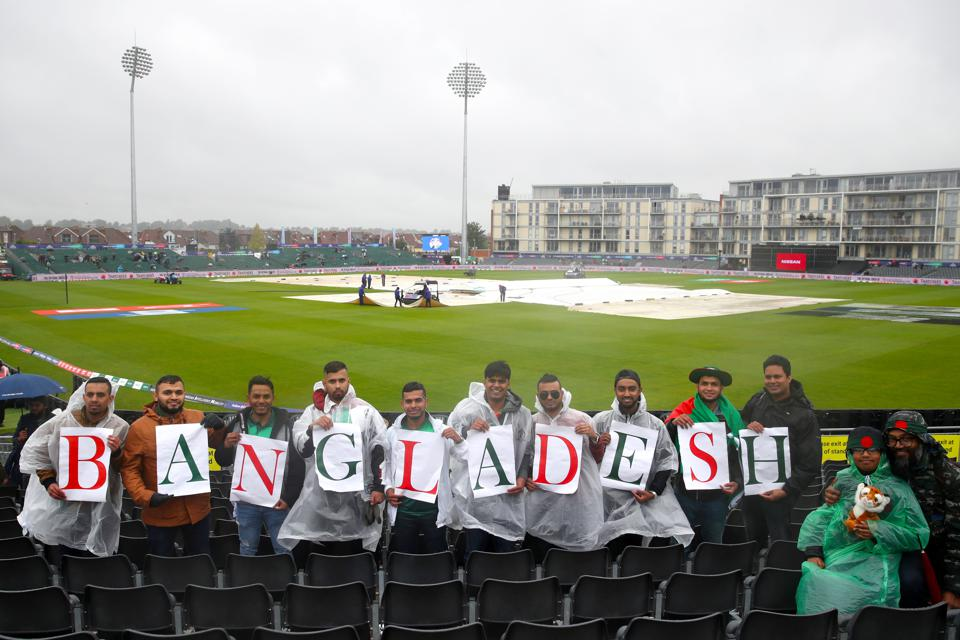Bangladesh v Sri Lanka - ICC Cricket World Cup - Group Stage - Bristol County Ground