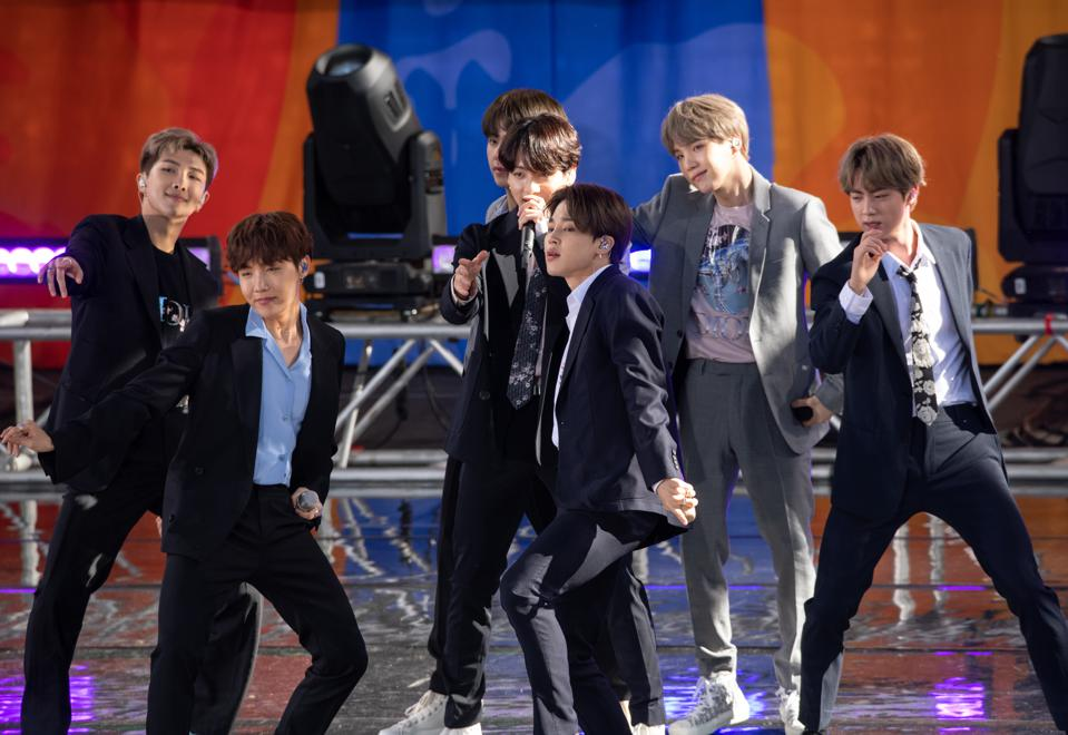 BTS Performs On ″Good Morning America″