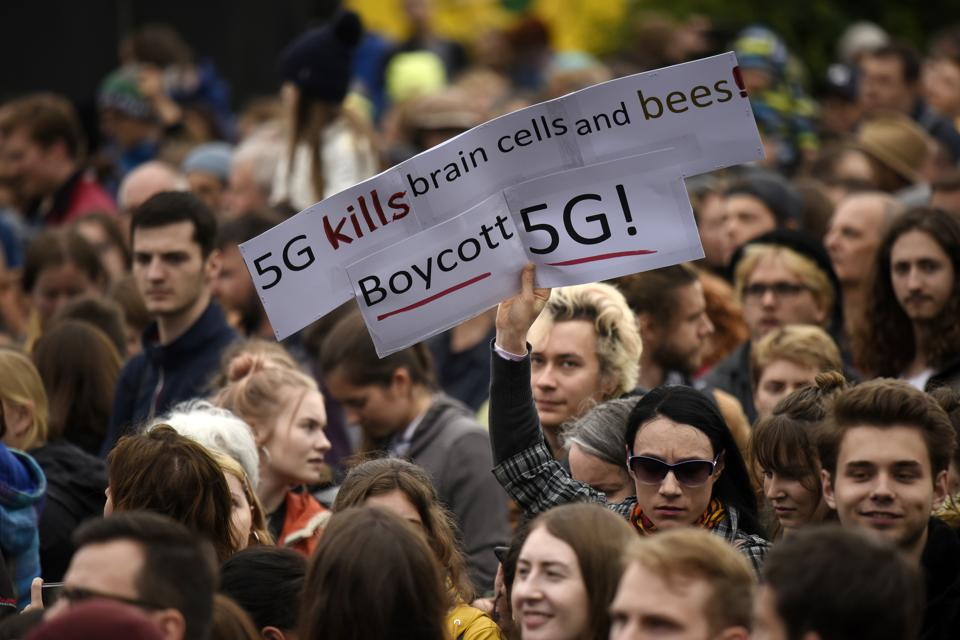 Anti-5G activists challenge the Dutch government in court