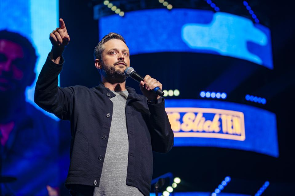The Family Factor: Comedian Nate Bargatze Shares Stage With Dad