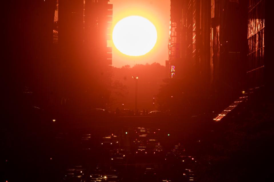 Sunset in New York ″Manhattanhenge″