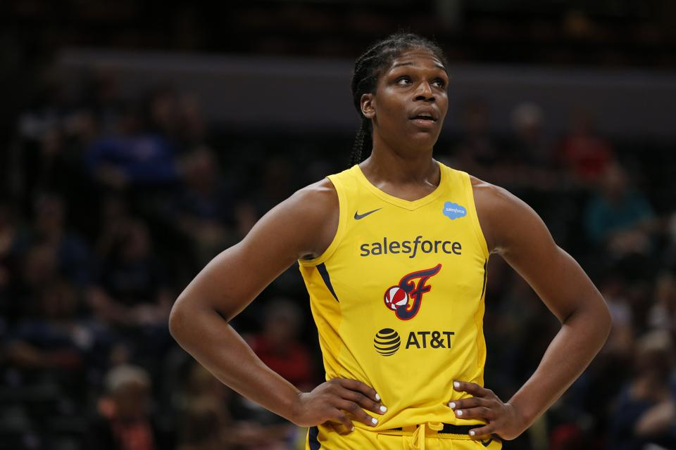 WNBA: JULY 14 Connecticut Sun at Indiana Fever
