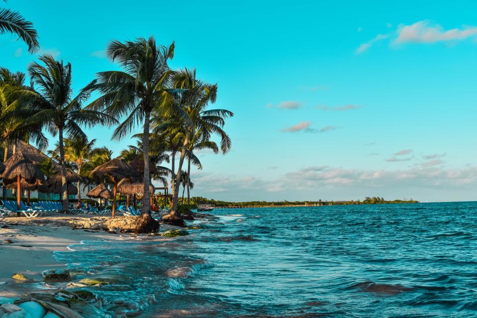 Caribbean travel tourism coronavirus covid-19 mexico quintana roo riviera maya