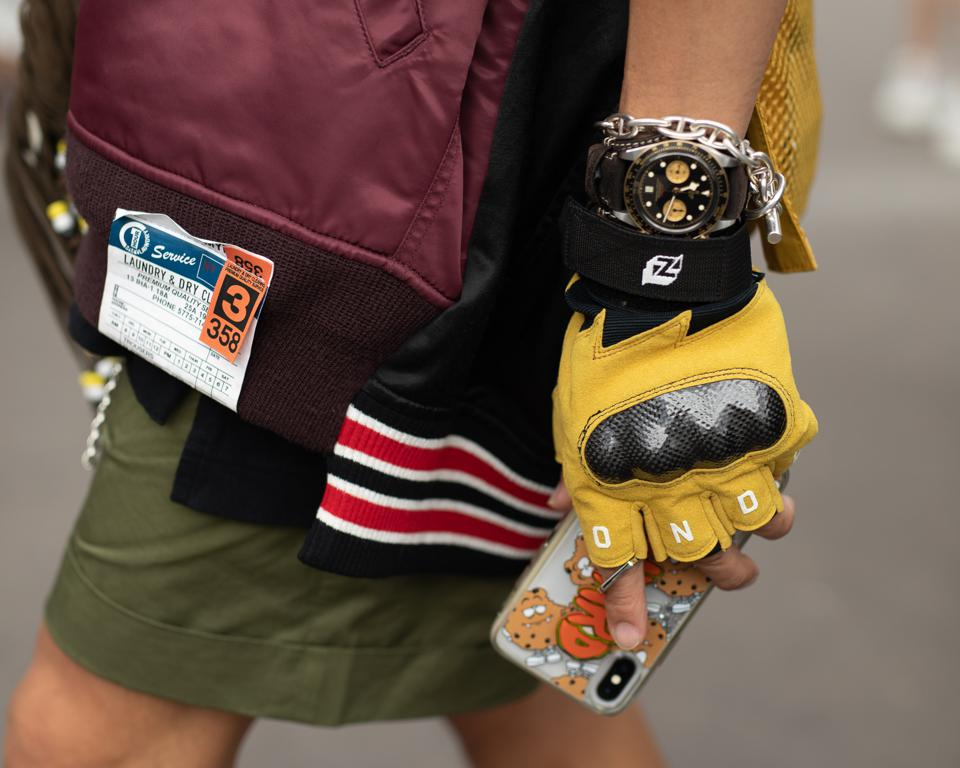 Kevlar safety gloves.
