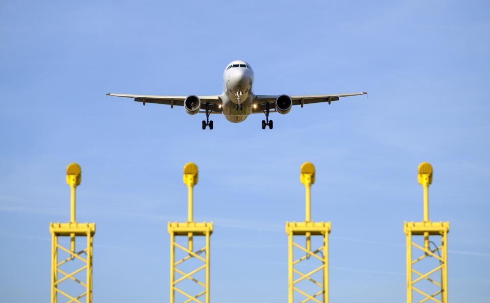 Plane Landing In National Airport