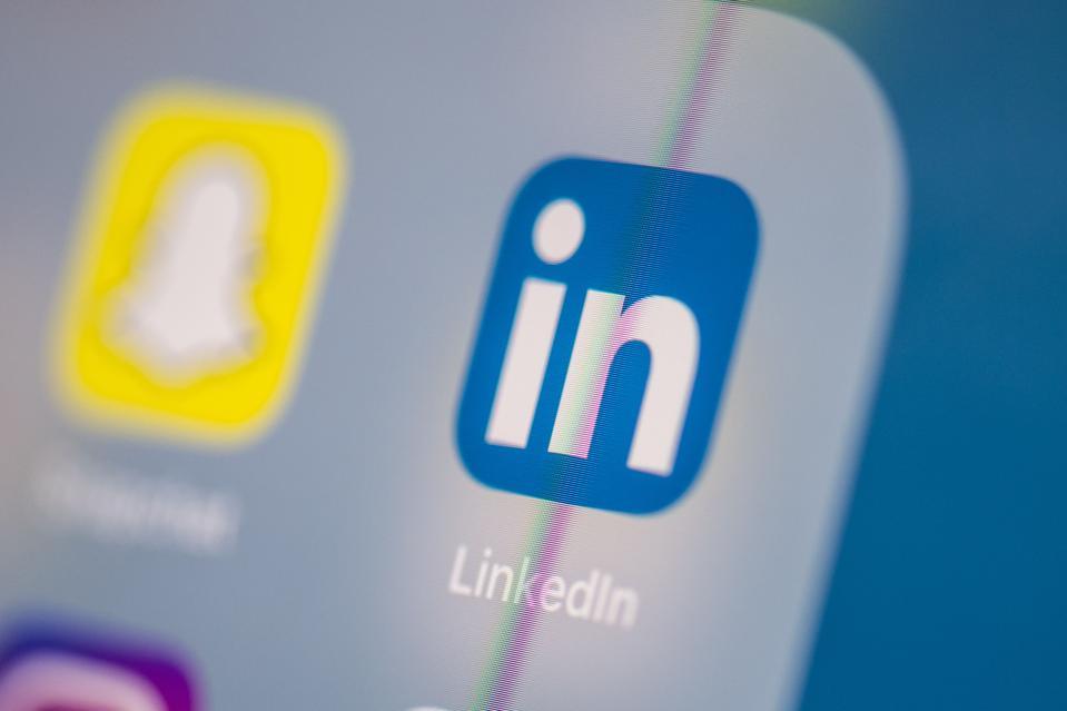 LinkedIn teste une fonctionnalité de type Snapchat pour les entreprises et les particuliers afin de mettre en évidence leur environnement de travail quotidien.