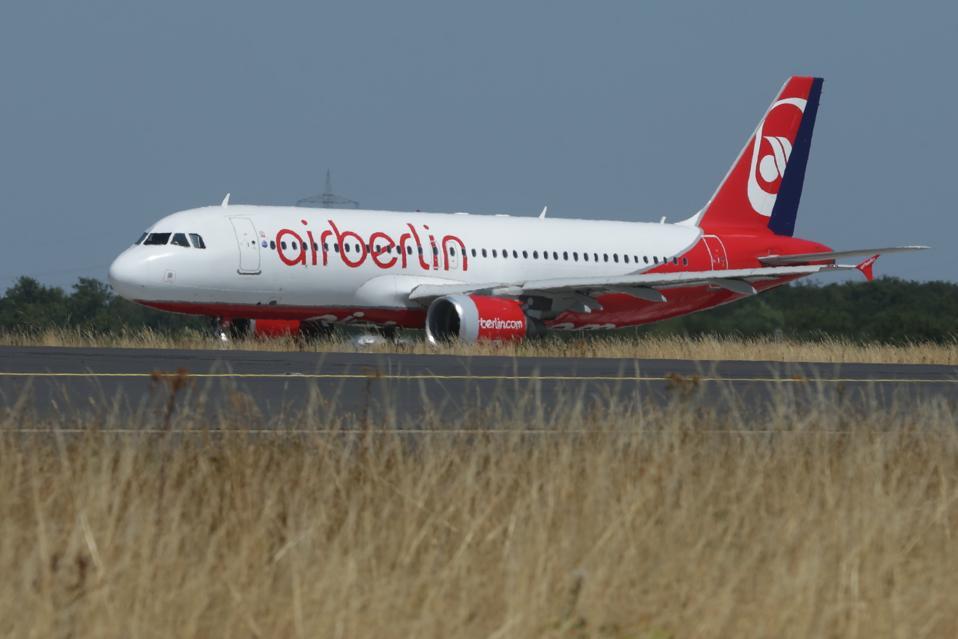 Airplane in Air Berlin Livery started in Düsseldorf