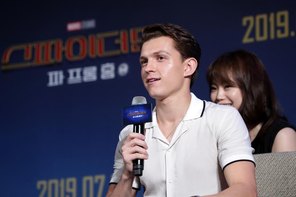 Amidst Spider-Man Drama, Tom Holland's 'Uncharted' Movie Loses Yet Another Director