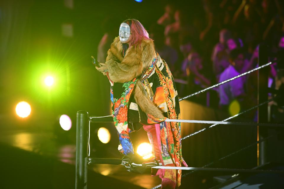 WWE Live Tokyo: Asuka makes her entrance