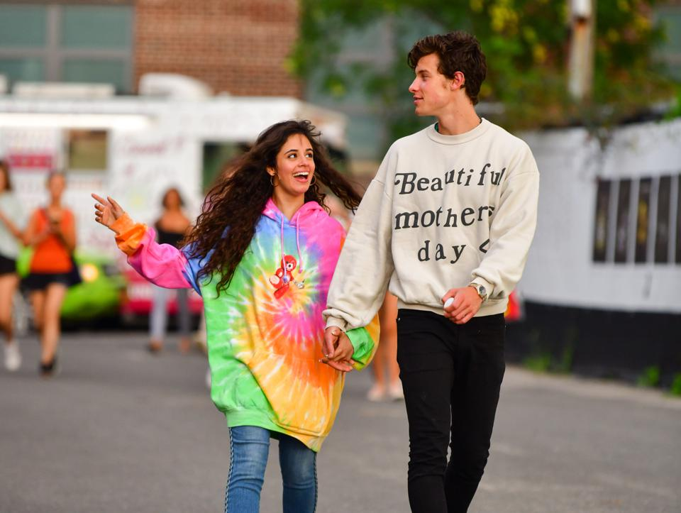 Shawn Mendes And Camila Cabello Hold At No. 1 In The U.K. For A Sixth Week