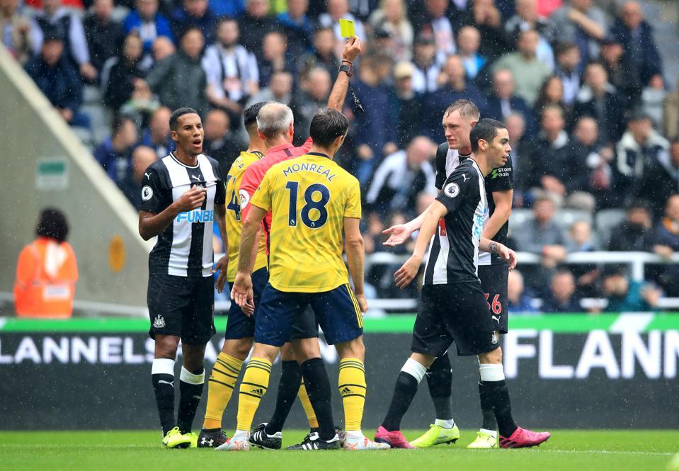 Newcastle United v Arsenal - Premier League - St James' Park