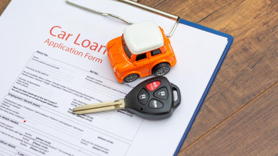 How A Low Credit Score Affects Your Ability to Get Car Finance