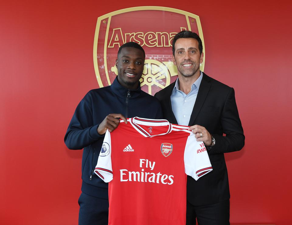 Arsenal Unveil New Signing