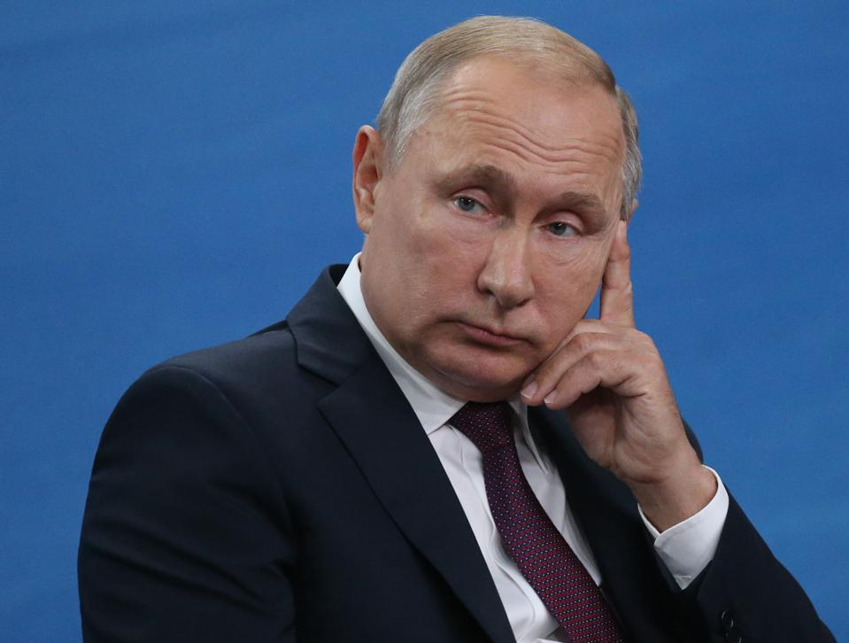 Putin Begins Installing Equipment To Cut Russia's Access To World Wide Web