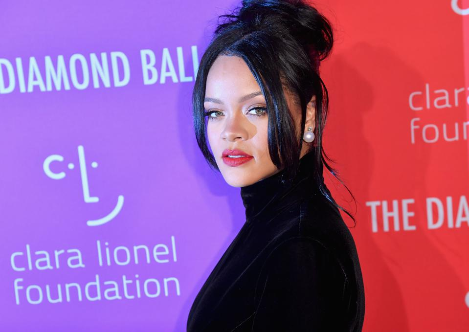 Rihanna Inks Deal With Sony/ATV Music Publishing