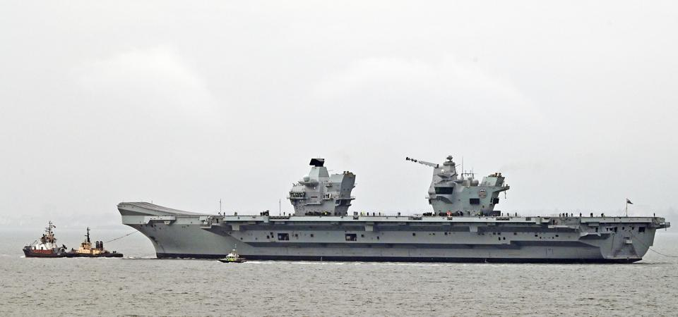 Royal Navy aircraft carrier HMS Prince Of Wales (R09)