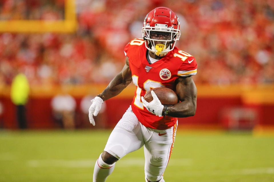 Tyreek Hill's Annual Salary Now Ranks Second Among NFL Wide