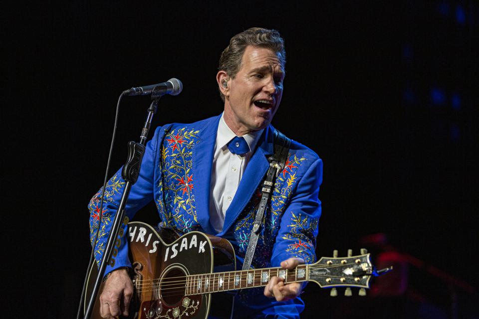 Chris Isaak Remains The Consummate Professional On 'Holiday Tour'