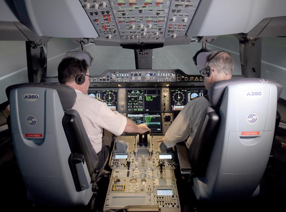 TOPSHOT-FRANCE-TRANSPORT-AVIATION-SIMULATOR-AIRBUS