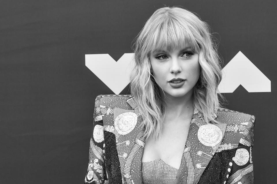 Taylor Swift Makes Billboard 200 History Again As Americans Continue To Consume Her Older Albums