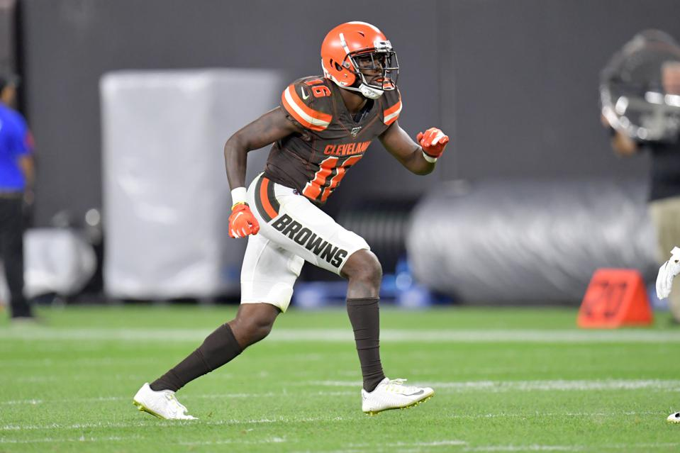 the best attitude 87f3f 3fb7c Cleveland Browns Begin To Phase Out Current Uniforms With ...