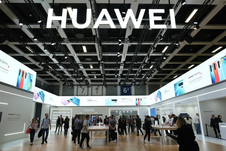 Huawei Sends Trump Shock New Warning As Cat And Mouse Games
