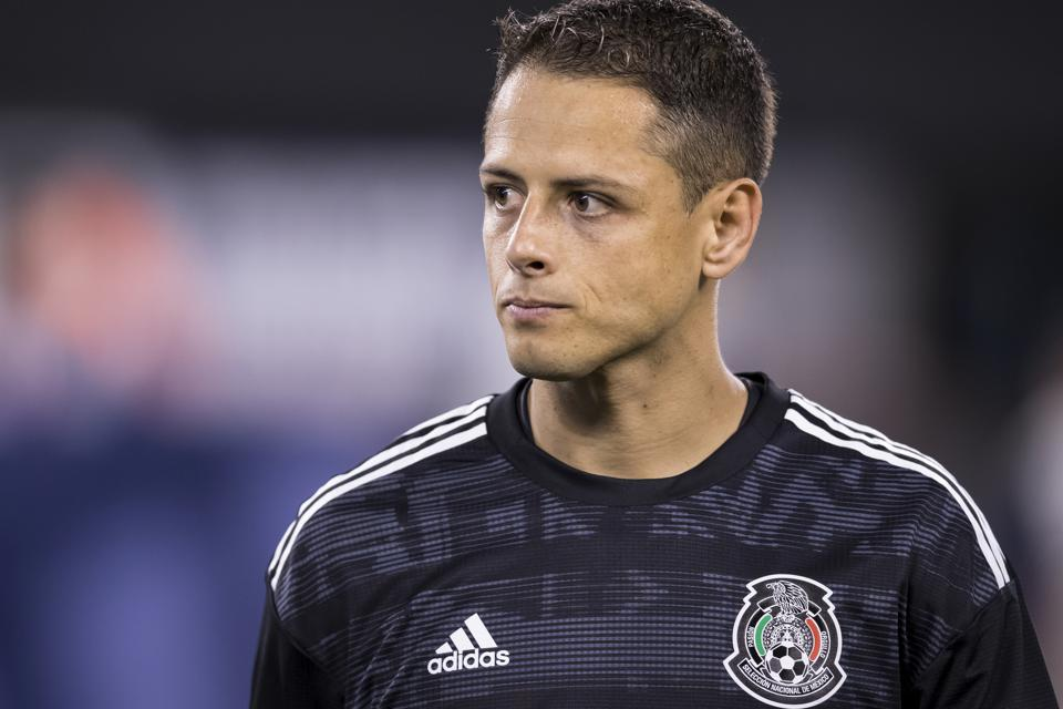 Can Javier 'Chicharito' Hernandez Outshine Zlatan Ibrahimovic? Sure — Just Win MLS Cup