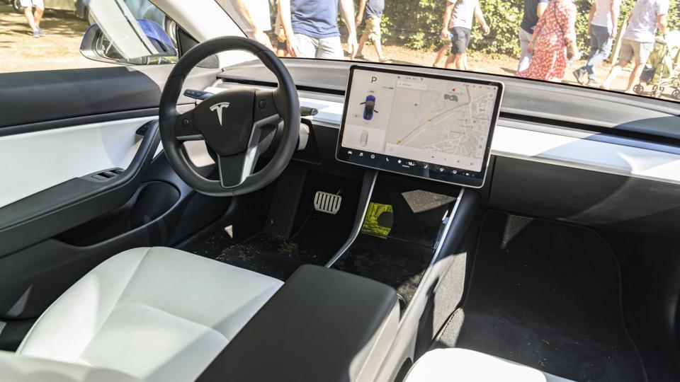 What Is It That Really Sets Tesla Apart From The Competition?