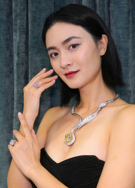 10-carat Pink Diamond Estimated $25 Million at Sotheby's Hong Kong