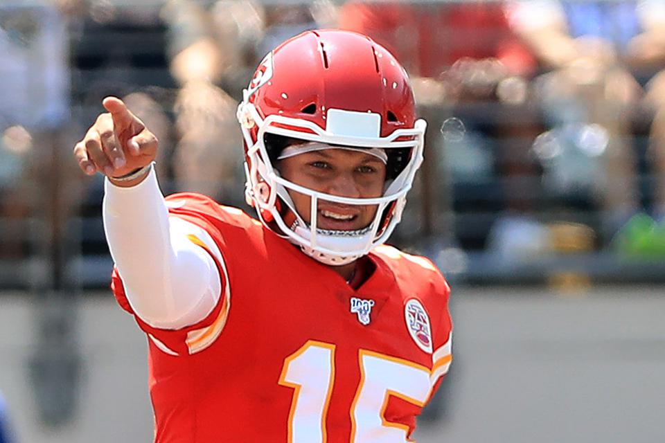 DraftKings Daily Fantasy Football Week 2: Mahomes, Mariota And The Best Contrarian DFS QB-WR Stacks