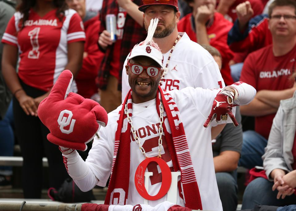 COLLEGE FOOTBALL: OCT 05 Oklahoma at Kansas