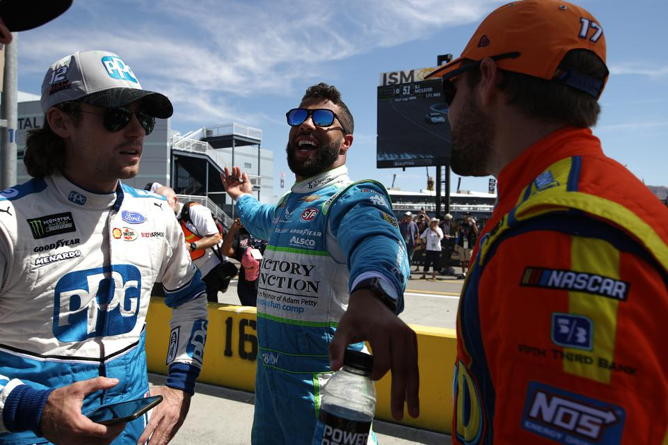 Monster Energy NASCAR Cup Series South Point 400 - Qualifying