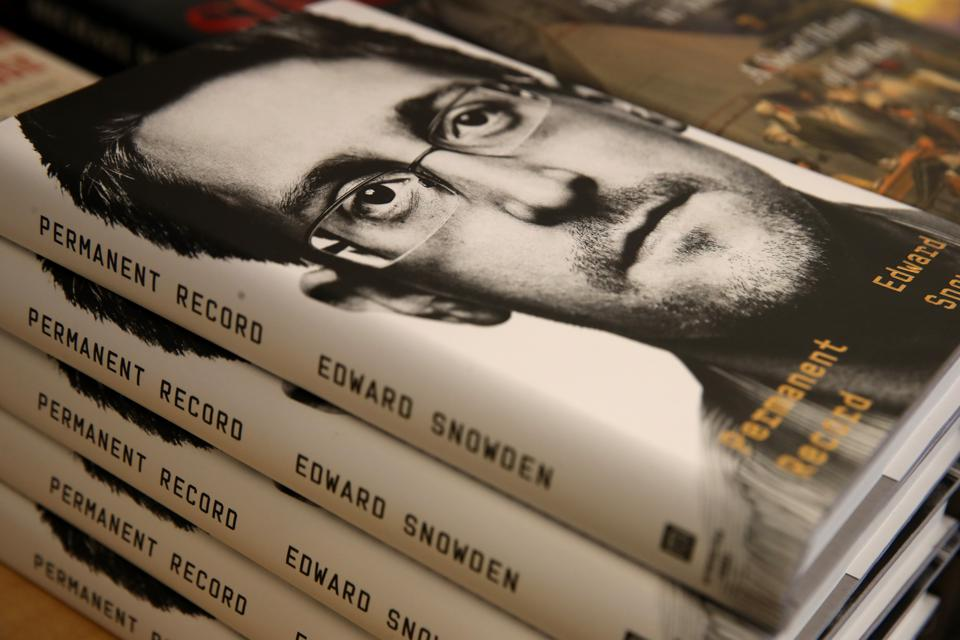 Justice Department Files Lawsuit Over Edward Snowden's New Book ″Permanent Record″