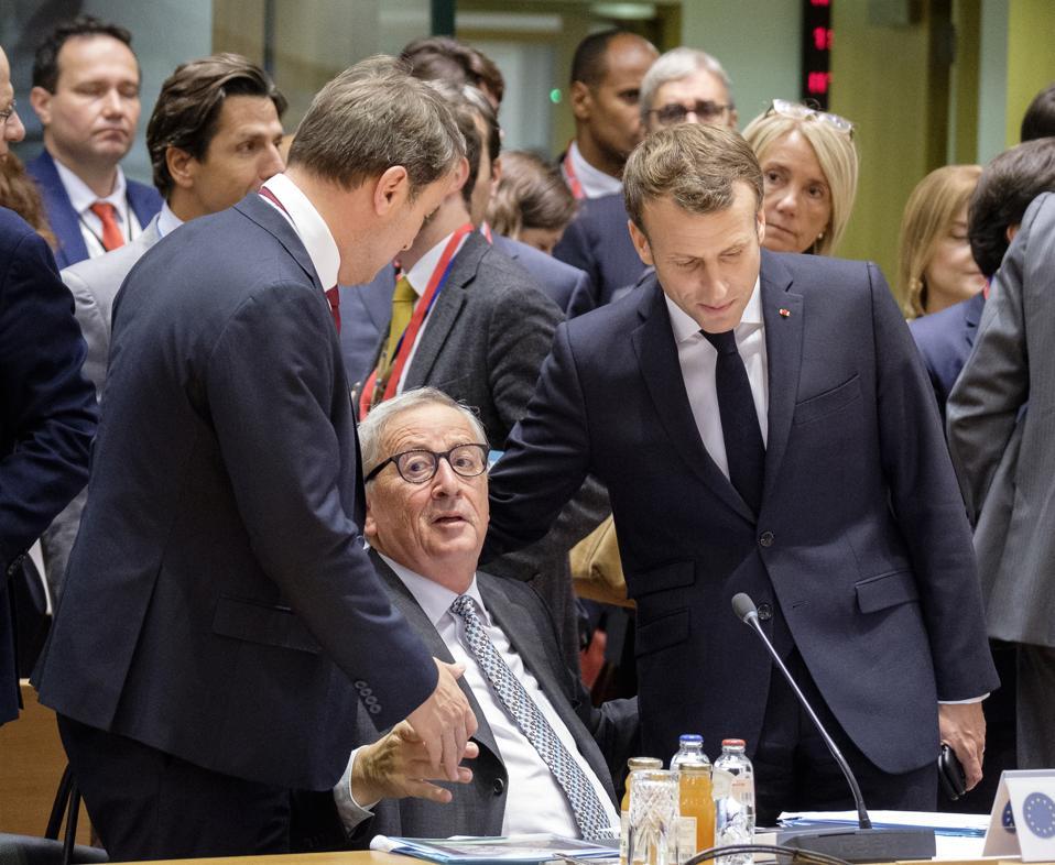 Johtajat osallistuvat Eurooppa-neuvoston kokoukseen